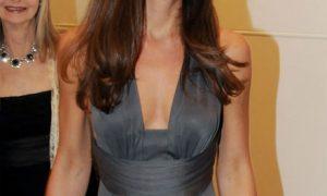 Kate Middleton Kraliçe'nin Elbise Seçimleri