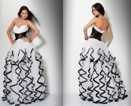 beyaz-renkli-abiye-elbise