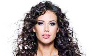 Dalgalı Saçlar İçin En Pratik Modeller