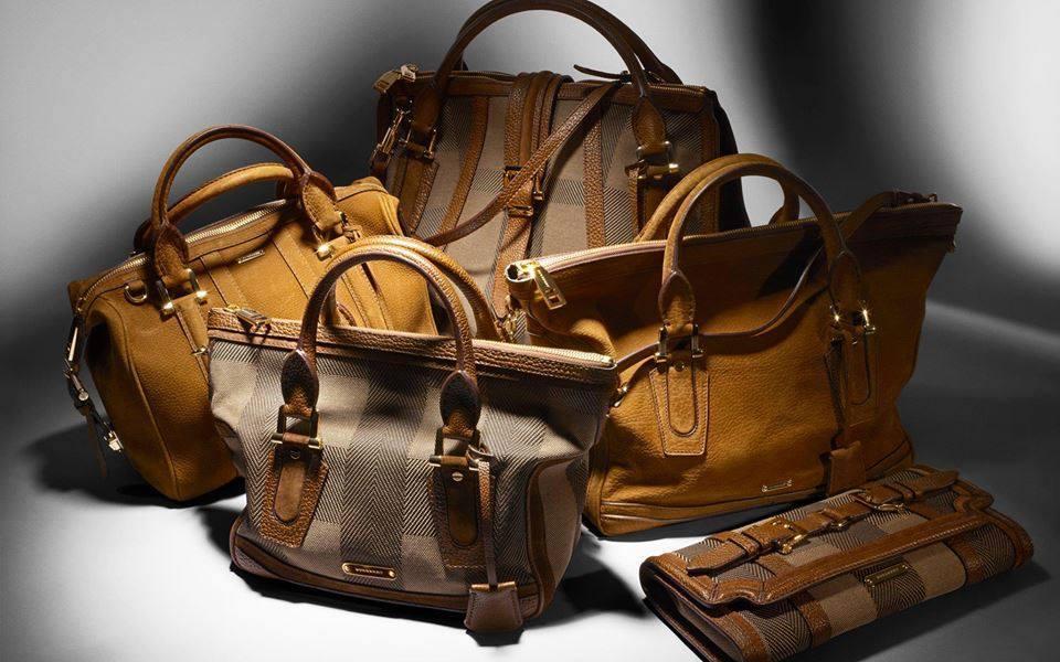 24373ead85f74 Çanta kişinin zarifliğini, yaşam tarzını ortaya çıkardığı için bayanlar bu  konuda oldukça hassastır. Çantanın da kendi içinde modelleri vardır.