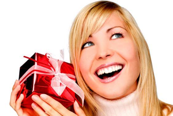 kadin-sevgiliye-hediye